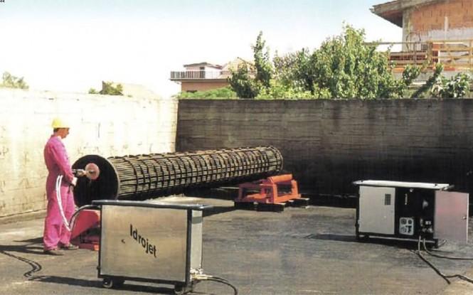 لنس ماشین انعطاف پذیر دوگانه جهت رسوب زدایی داخلی مبدل با فشار 8 بار مدل FX-2/3 ساخت ایدروجت ایتالیا