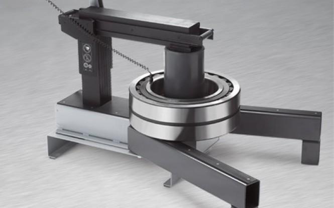 گرمکن القایی برقی با ترموستات کنترل دما جهت بلبرینگ های صنعتی تا وزن 1200 کیلوگرم مدل IH-240 ساخت سیماتک انگلستان